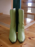 grrainboots2.JPG