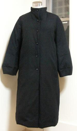 thickkuroliningredlongcoat1.JPG